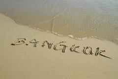 Het woord van Bangkok op het strand Royalty-vrije Stock Fotografie