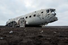 Het wrak van het Abondedvliegtuig gelijkstroom in IJsland solheimasandur stock afbeelding