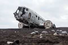 Het wrak van het Abondedvliegtuig gelijkstroom in IJsland solheimasandur royalty-vrije stock fotografie