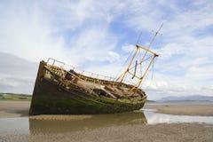 Het wrak van de kust Stock Afbeeldingen