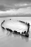 Het wrak van het schip op Iers strand Stock Foto