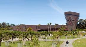 Het Young Museum de mens van DE lopen Stock Afbeelding