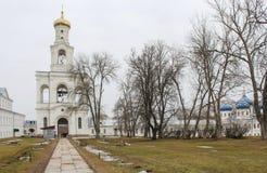 Het Yurievklooster richtte rond 1030 op Stock Fotografie