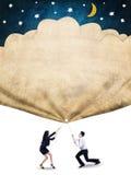 Het zakenlui trekt een vlag met sterren en maan Stock Afbeeldingen