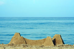Het zand van het kasteel op strand stock afbeeldingen