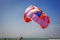 Het zand vliegt aangezien zij met wind vult Royalty-vrije Stock Fotografie