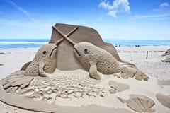 Het zandbeeldhouwwerk van de walvis Stock Fotografie