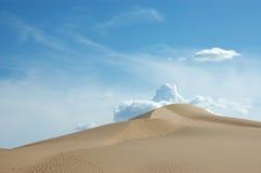 Het zandduin van de woestijn. royalty-vrije stock fotografie