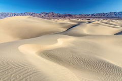 Het Zandduinen van de doodsvallei Stock Afbeelding