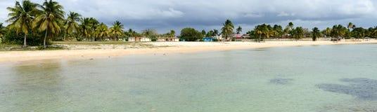 Het zandige strand genoemd Playa Giron op Cuba Royalty-vrije Stock Afbeeldingen