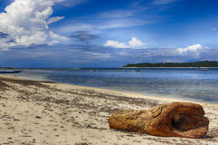Het zandige strand at low tide Indische Oceaan indonesië Royalty-vrije Stock Fotografie