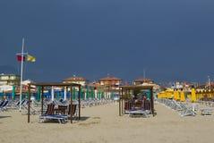 Het zandige strand van Viareggio Royalty-vrije Stock Foto's