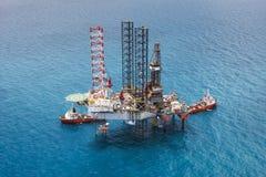 Het zee platform van de booreilandboring Stock Afbeeldingen