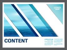 Het zeegezicht en de blauwe van het de lay-outontwerp van de hemelpresentatie het malplaatjeachtergrond voor toerisme reizen zake Stock Foto's
