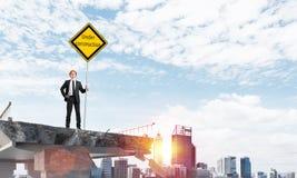Het zekere teken van de de straatveiligheid van de ingenieursholding Stock Foto