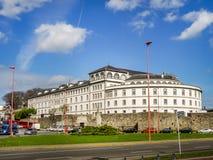 Het ziekenhuis Abente y Lago bij Haven van een Coruna, Galicië, Spanje stock fotografie