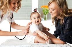 Het ziekenhuis van de baby royalty-vrije stock afbeelding