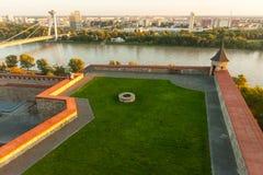 Het zijaanzicht van Bratislava Castle Stock Fotografie