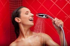 Het zingen in douche. Stock Fotografie