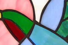 Het zoemende Gebrandschilderd glas van de Vogel royalty-vrije stock foto