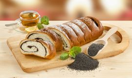 Het zoete broodje van het papaverzaad Stock Foto