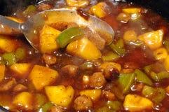 Het zoete en zure kip koken Stock Afbeeldingen