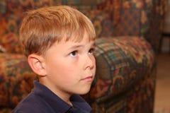 Het zoete gezicht van de jongen van zes jaar Stock Foto