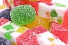 Het zoete suikergoed van de fruitkleur op wit royalty-vrije stock fotografie
