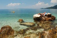 Het zonnebaden in Kroatië stock afbeelding