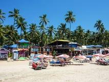 Het zonnebaden van toeristen op Palolem-strand Goa, India royalty-vrije stock foto