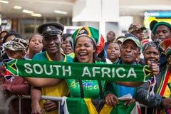 Het Zuidafrikaanse verdedigers vieren stock afbeeldingen