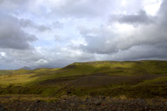 Het zuidelijke Ijslandse landschap van IJsland met hooglanden Stock Foto's