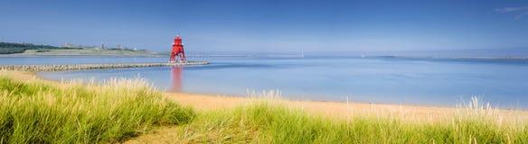 Het zuiden beschermt strandpanorama stock fotografie
