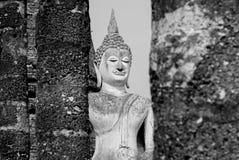 Het zwart-witte standbeeld van Boedha Stock Foto's