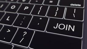 Het zwarte computertoetsenbord en het gloeien sluiten zich aan bij sleutel Het conceptuele 3d teruggeven Stock Fotografie