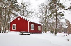 Het Zweedse huis van de winter Stock Afbeeldingen