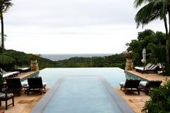 Het zwembad van de vakantie royalty-vrije stock fotografie