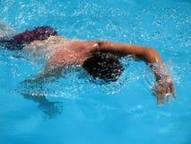 Het zwemmen royalty-vrije stock afbeeldingen