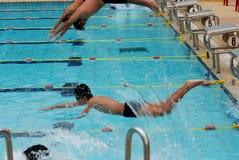 Het zwemmen de concurrentie Stock Foto's