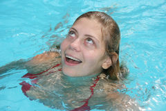 Het zwemmen van de vrouw Royalty-vrije Stock Foto