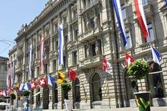 Het Zwitserse Hoofdkwartier van bankcredit suisse in Paradeplatz in rijken ZÃ ¼ stock afbeelding