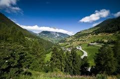Het Zwitserse landschap van Alpen Stock Afbeeldingen