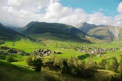 Het Zwitserse landschap van het platteland stock afbeelding
