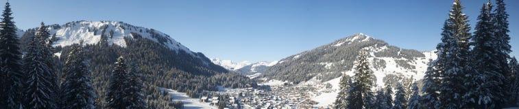 Het Zwitserse Panorama van het Dorp Stock Foto