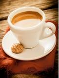 Hete aromatische ochtendespresso Royalty-vrije Stock Foto's