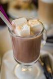 Hete cacao met wit Snoepje Stock Afbeeldingen