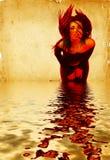 Hete Jonge Donkerbruine Vrouw die Haar Digitale Samenstelling van het Haar golft Stock Foto's
