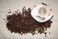 Hete koffie met bonen Stock Foto