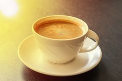 Hete koffie op houten lijstachtergrond Stock Foto's