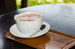 Hete kopkoffie en kopcoco Royalty-vrije Stock Foto's